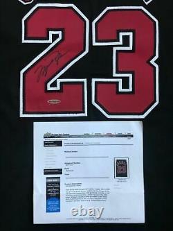 Michael Jordan Autographié Chicago Bulls Black Authentic Nike Jersey Encadré Uda