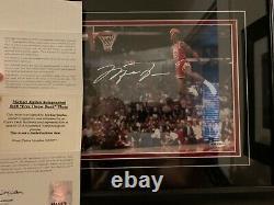 Michael Jordan Autographié Gatorade Slam Dunk 8x10 Upper Deck Coa Uda Encadré Hot