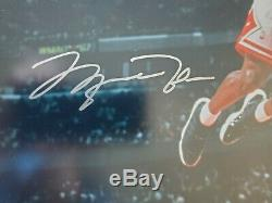 Michael Jordan Autographié Slam Bulls Mid-air 16x20 Photo Uda / 300 Last Dance