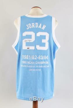 Michael Jordan Chandail Autographié Tar Heels Le 32/123 Coa Uda