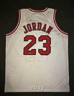 Michael Jordan Chicago Bulls Maillot Autographié Uda