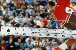 Michael Jordan L. E. Signé 16x20 Cradle Trempent Chicago Bulls Photo Encadrée Uda Jsa