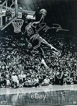 Michael Jordan Signé 30x40 Frozen In Time Uda Upper Deck