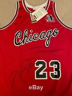 Michael Jordan Signé 85-85 Rookie De L'année Jersey Uda Le 120/123