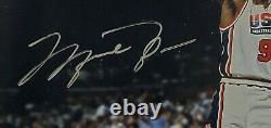 Michael Jordan Signé À La Main USA Photo 8x10 Custom Framed Uda Signé Flight School