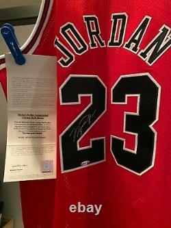 Michael Jordan Signé Autographié Chicago Bulls Jersey Uda