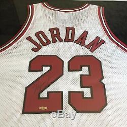 Michael Jordan Signé Autographié Encadrée Bulls Nike Jersey Upper Deck Uda Coa