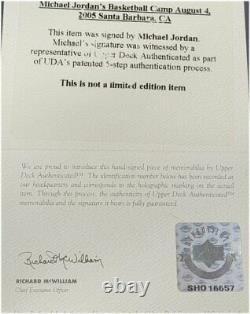 Michael Jordan Signé Autographied Framed Shoe Photo Chicago Bulls Uda Deck Supérieur