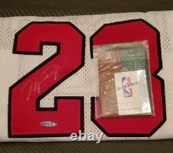 Michael Jordan Signé Bulls Blanc Nike 97-98 +4 Maillot Uda Rare Signature Argent