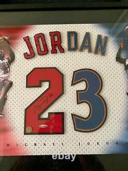 Michael Jordan Signé Encadré Uda Chicago Bulls Red 23 Jersey Numéros Deck Supérieur