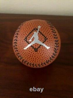 Michael Jordan Signé Nike Basketball Style Baseball Uda Upper Deck Coa Nouveau