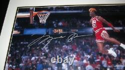 Michael Jordan Signé Uda 16x20 1988 Free Throw Dunk Photo Encadré Auto Auto Auto Auto