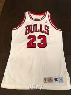 Michael Jordan Uda 1995-1996 Upper Deck Autographié Blanc Accueil Champion Jersey