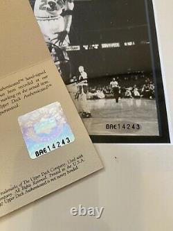 Michael Jordan Uda Auto Signé Encadré Deux (2) Photos Noir Et Blanc 8x10! Rare