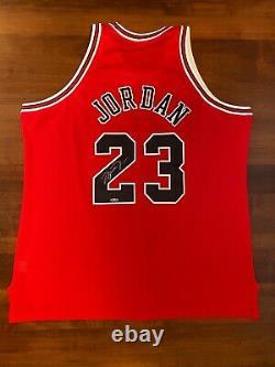 Michael Jordan Uda Autograph Red M&n Chicago Bulls Jersey 1997-1998 Upper Deck