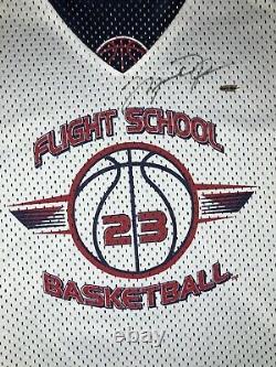 Michael Jordan Uda Signé Flight School 23 Jersey Upper Deck Autograph Coa