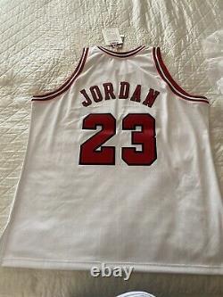 Michael Jordan Uda Upper Deck /23 Signé Mitchell Ness Jersey Auto