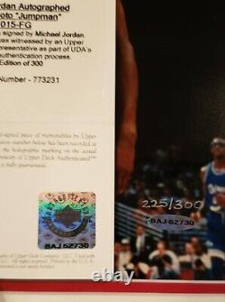 Michael Jordan Uda Upper Deck Signé 16x20 Photo Autographe #225/300 Encadré