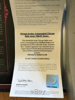 Michael Jordan Uda Upper Deck Signé Autograph 86/87 Jersey Archive 149/230 Box