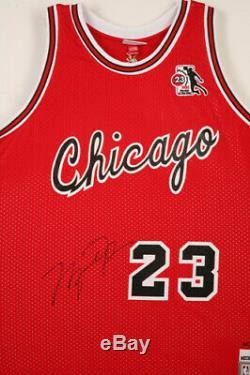 Michael Jordan Upper Deck Assermentée Uda Signé 1985 Rookie Jersey Autograph