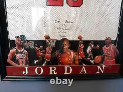Michael Jordan Upper Deck Uda Signé Chicago Bulls Framed Jersey Le /23