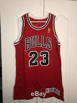 Michael Jordan Upper Deck Uda Signé Logo Or Jeu Pro Jersey Cut Délivré 96-97