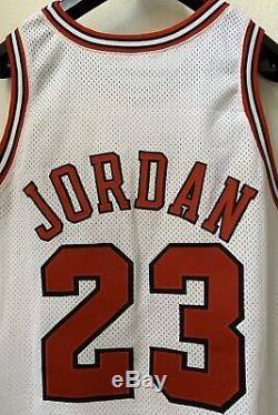 Nike 1998 Nba Finals Jordan Bulls Jeu Edition Jersey Autographe Auto Uda Pe