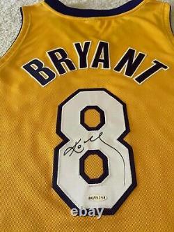 Pro Cut Autographied Kobe Bryant Nba Jersey Authentique. C'est L'aco De L'uda. Magnifique Sig