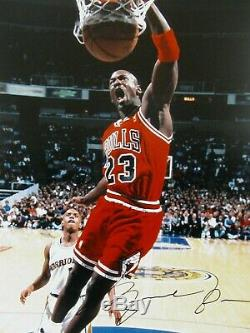 Rare Michael Jordan Lefty Slam Photo 16x20 Encadrée Autographié Uda / Aoc
