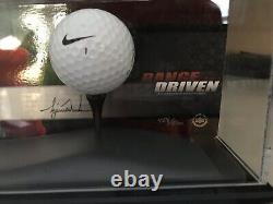 Tiger Woods Autographied Range Driven Le /500 Display Uda! Chèvre