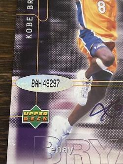 Très Rare 2001 Ud Upper Deck Uda Sur Carte Kobe Bryant Auto 3clr Patch 60/100 Htf