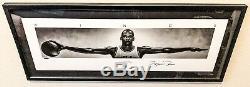Tres Rare Michael Jordan Signés Ailes 41x17 Nike Affiche Encadrée Uda Le / 500